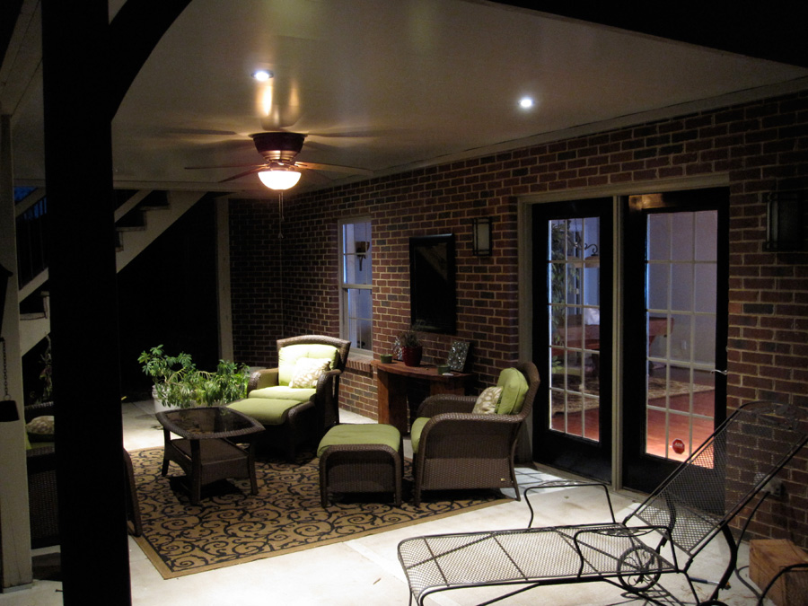 Outdoor Living Room. Ban2. Two
